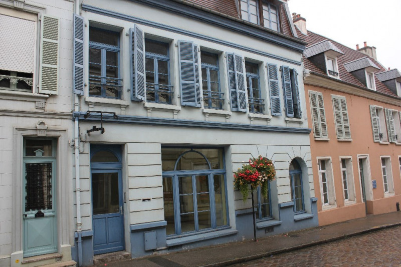 Sale building Montreuil 275 000€ - Picture 1