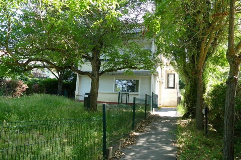 Deluxe sale house / villa Rueil malmaison 1664000€ - Picture 1