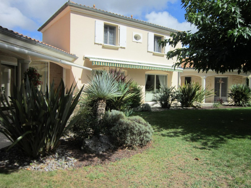 Deluxe sale house / villa Les mathes 717 600€ - Picture 1