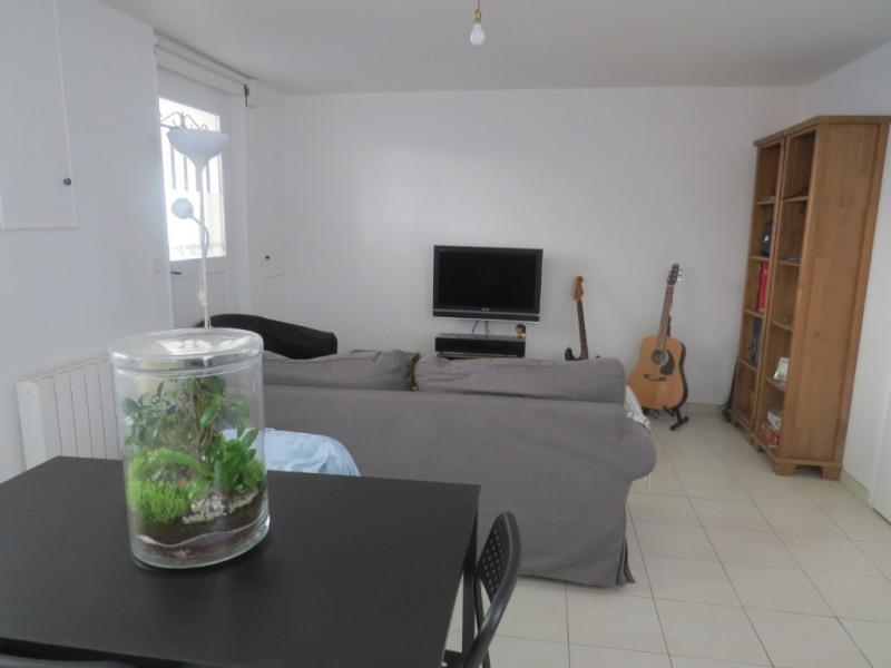 Rental apartment Le mesnil le roi 1280€ CC - Picture 3