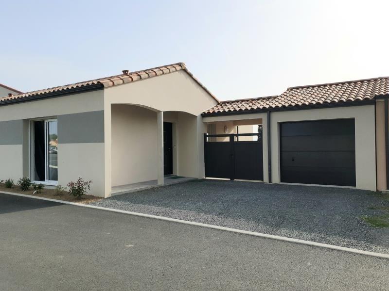 Sale house / villa St hilaire de loulay 235900€ - Picture 1