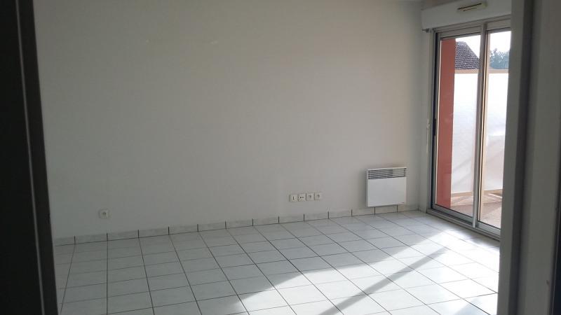 Location appartement La brède 605€ CC - Photo 2