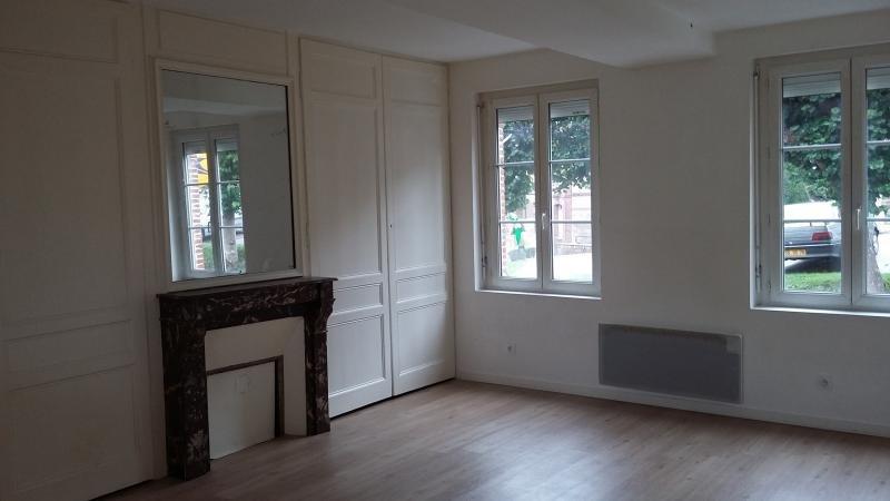 Rental apartment Doudeville 490€ CC - Picture 1
