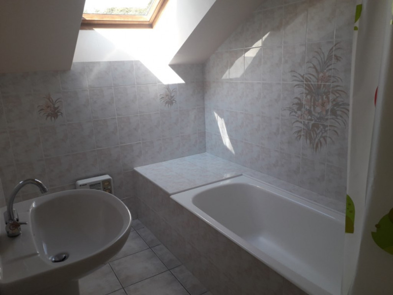 Location maison / villa Saint thurien 460€ CC - Photo 4