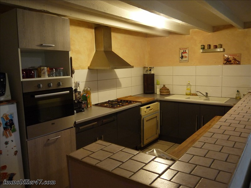 Location maison / villa Monclar 550€ CC - Photo 5