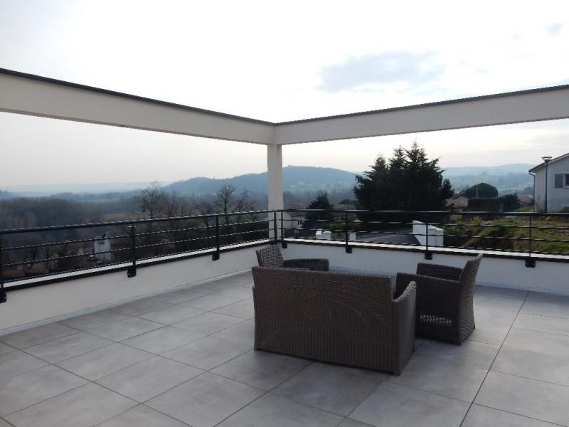 Deluxe sale house / villa Jardin 740000€ - Picture 2