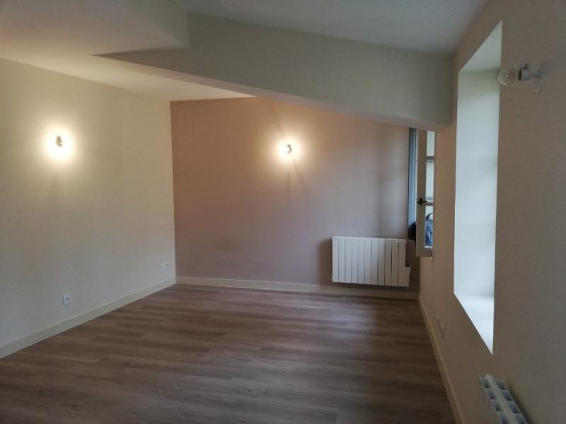 Rental apartment Vienne 422€ CC - Picture 1