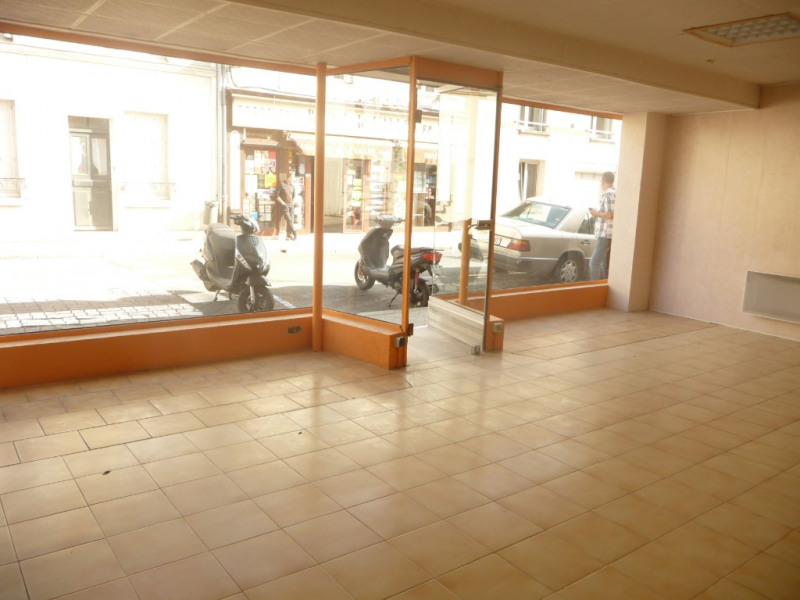 Rental empty room/storage Chateau renault 350€ CC - Picture 3