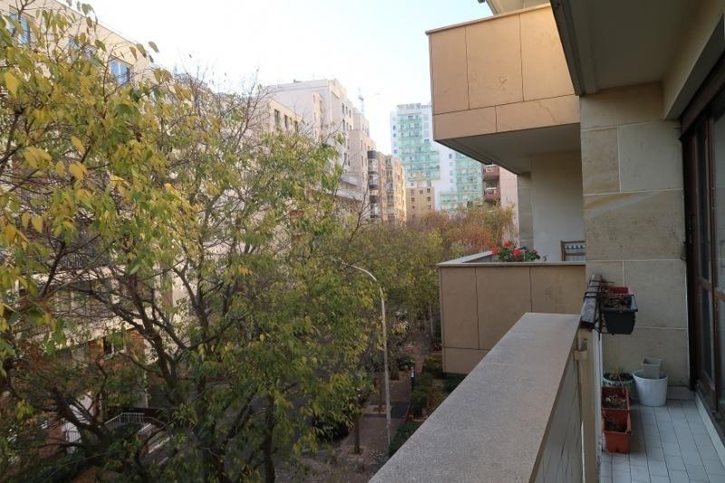 Verkoop  appartement Courbevoie 572000€ - Foto 3