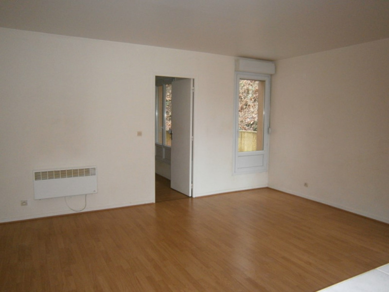 Rental apartment Buc 830€ CC - Picture 2
