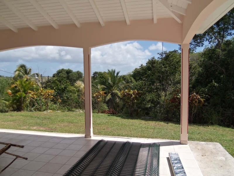 Rental house / villa Ste anne 750€ CC - Picture 1