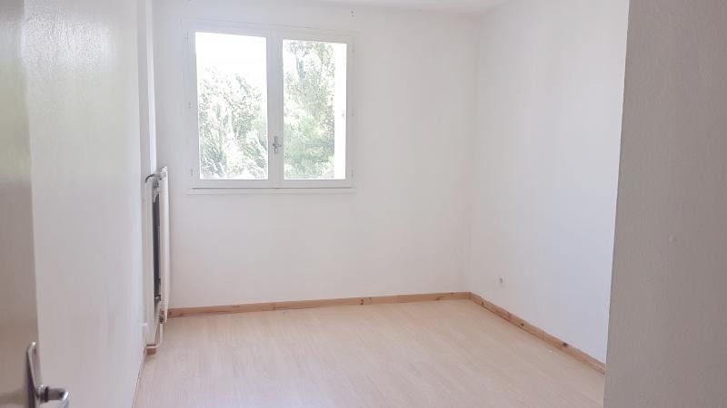 Location appartement Senas 799€ CC - Photo 6