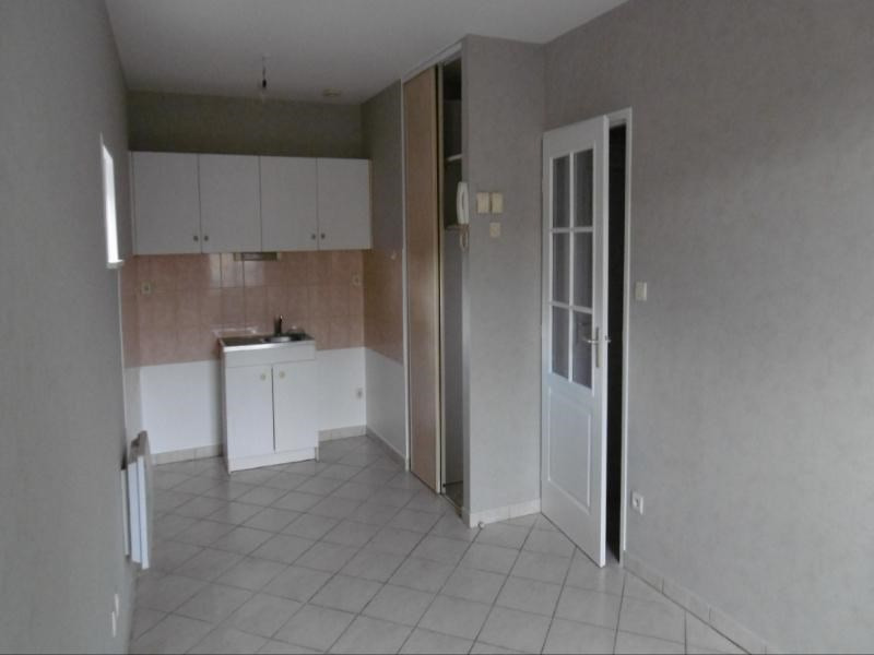 Location appartement Sarcey 350€ CC - Photo 1