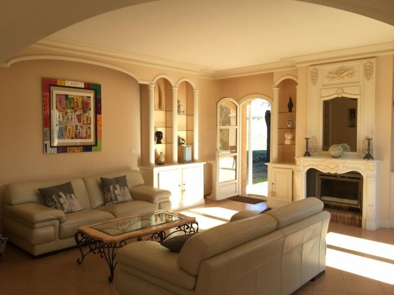 Deluxe sale house / villa Lambesc 740000€ - Picture 3