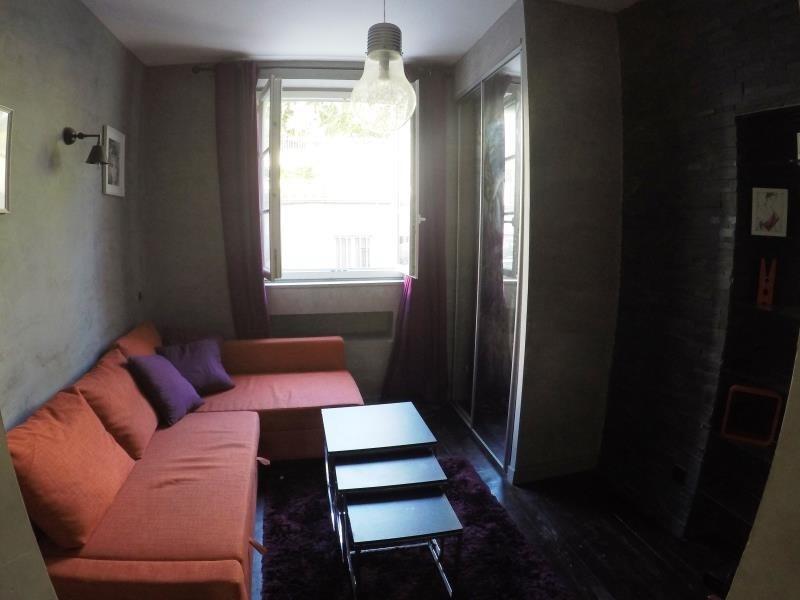 Sale apartment Paris 18ème 283000€ - Picture 2