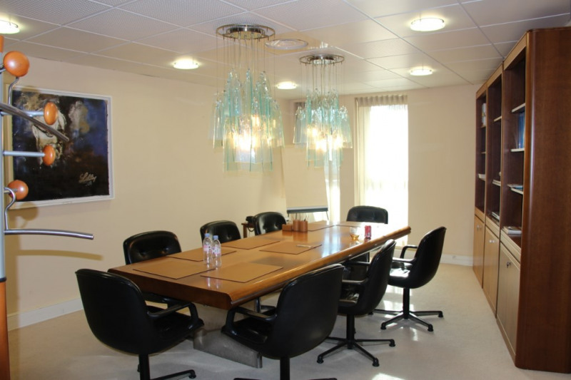 Rental office Aix en provence 7 500€ CC - Picture 1