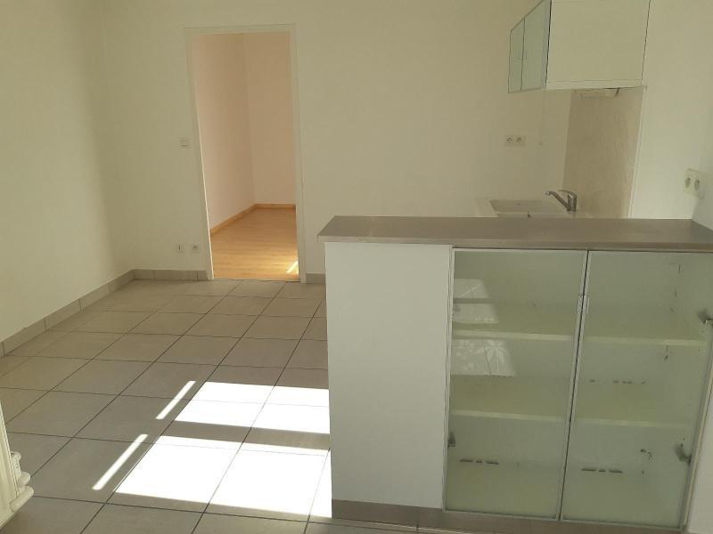 Location appartement Villefranche sur saone 557€ CC - Photo 2