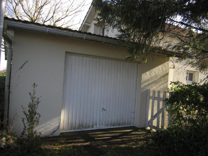 Location maison / villa Barbezieux-saint-hilaire 547€ CC - Photo 3