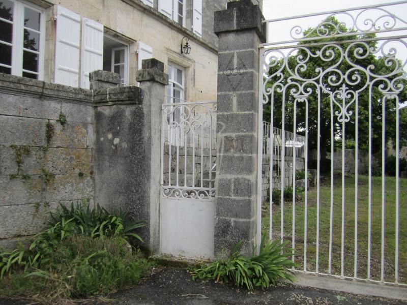 Vente maison / villa Barbezieux-saint-hilaire 197000€ - Photo 3