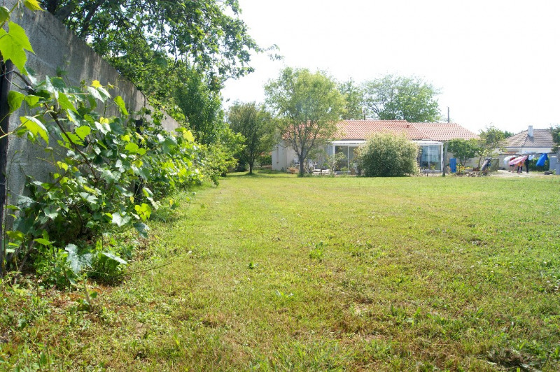 Sale house / villa Challans 238200€ - Picture 1