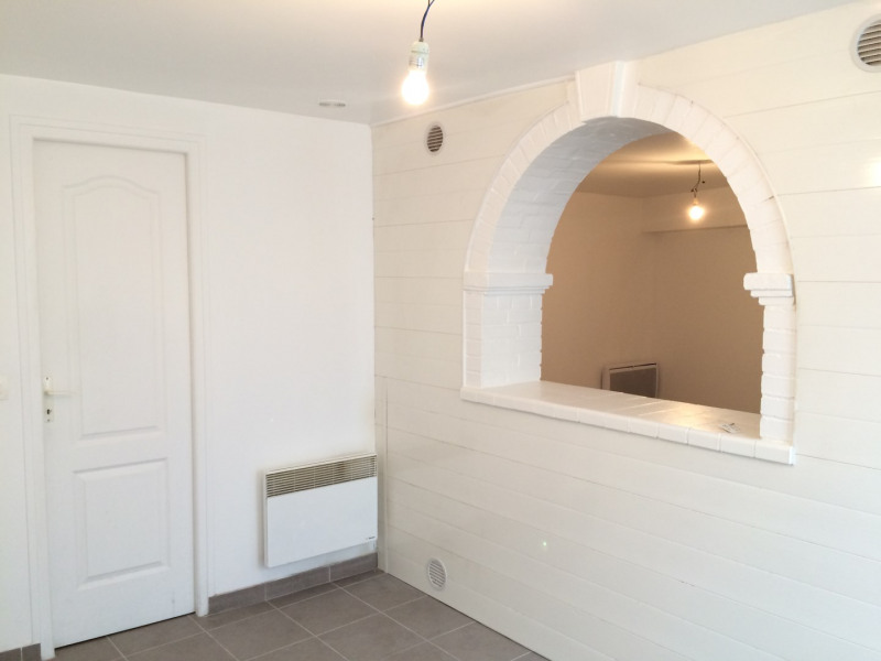 Rental apartment Méry-sur-oise 500€ CC - Picture 2