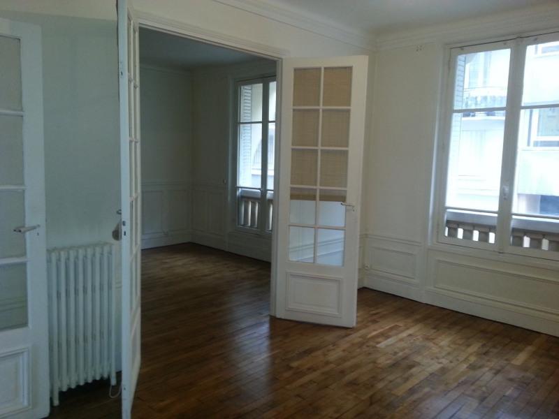 Location appartement Paris 14ème 1356€ CC - Photo 1
