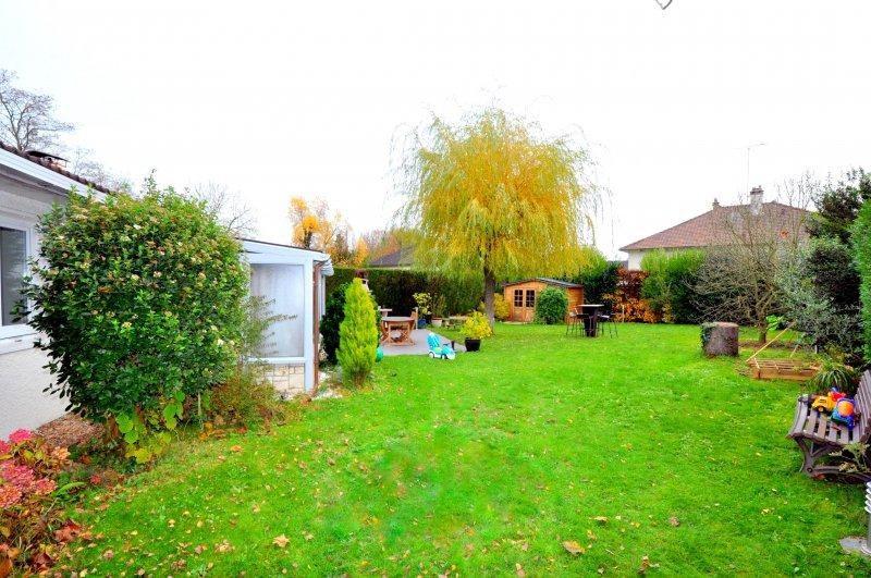 Sale house / villa Forges les bains 385000€ - Picture 11