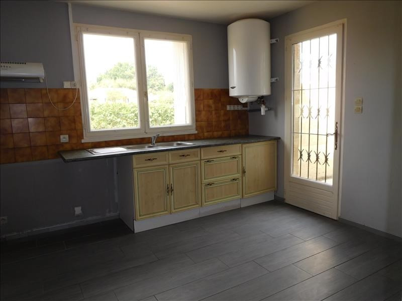 Location maison / villa St andre de cubzac 712€ CC - Photo 4