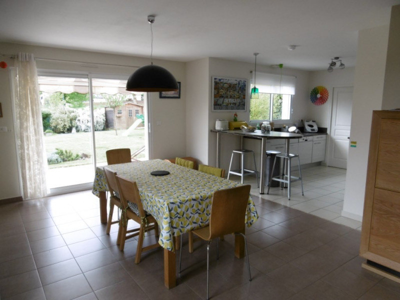 Sale house / villa Yvre l eveque 343 200€ - Picture 3
