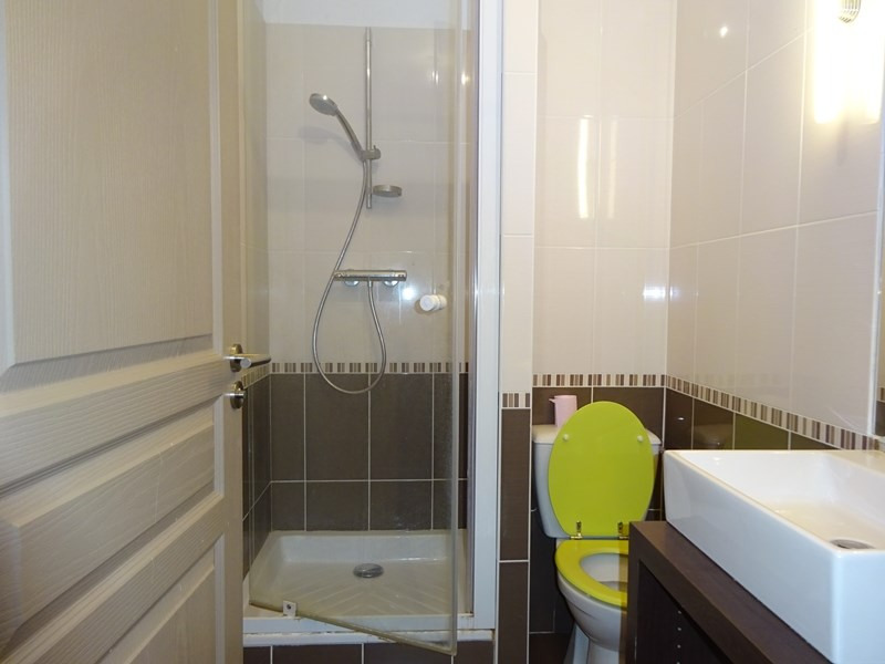 Location appartement Sainte-foy-lès-lyon 625€ CC - Photo 9