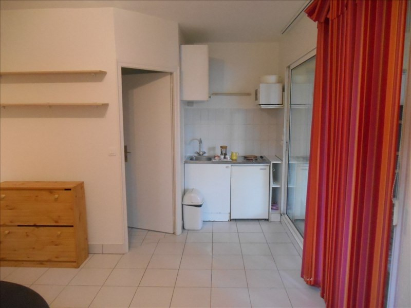 Rental apartment Verrieres le buisson 590€ CC - Picture 2