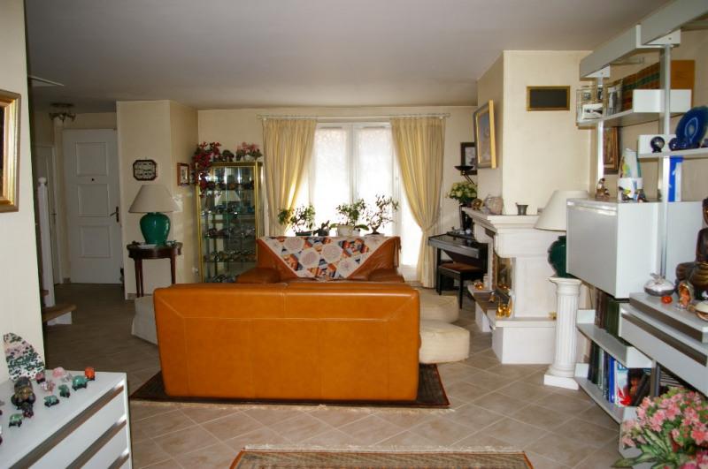 Sale house / villa Carrieres sous poissy 520000€ - Picture 4
