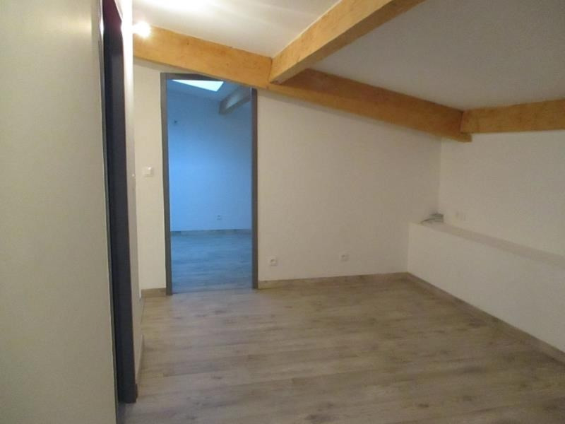Location maison / villa Salon de provence 950€ CC - Photo 9
