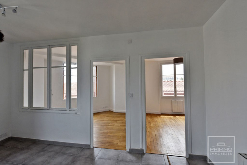 Rental apartment Lyon 4ème 830€ CC - Picture 2