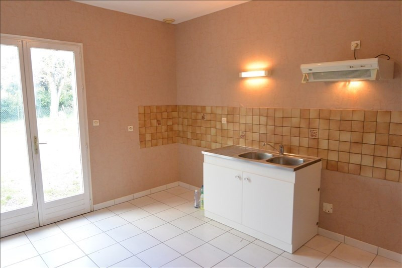 Location maison / villa Saint denis de pile 689€ CC - Photo 4