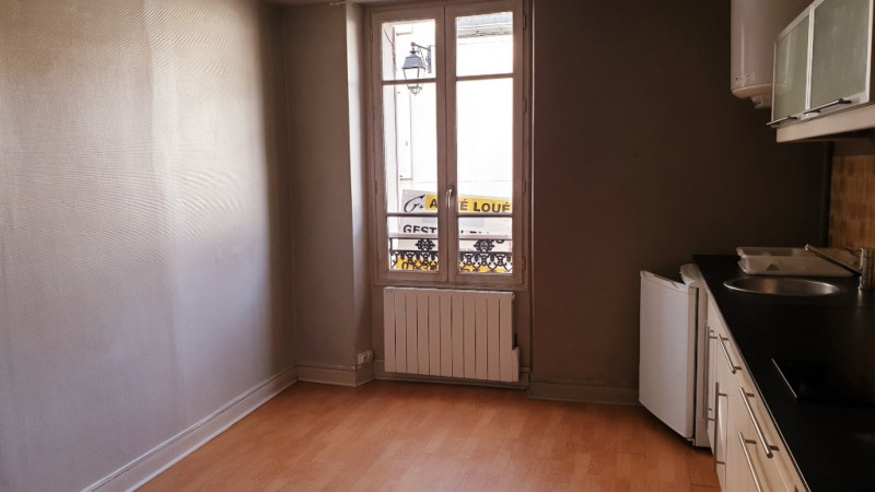 Rental apartment Montfort l amaury 590€ CC - Picture 2