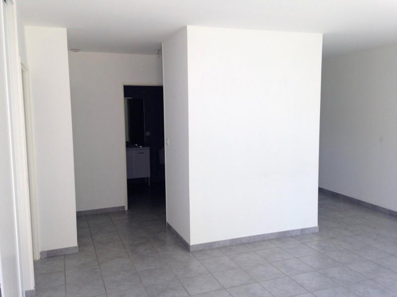 Rental apartment Attignat 640€ CC - Picture 11