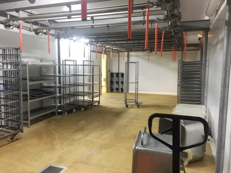 Location local commercial Fougeres 1500€ HT/HC - Photo 2