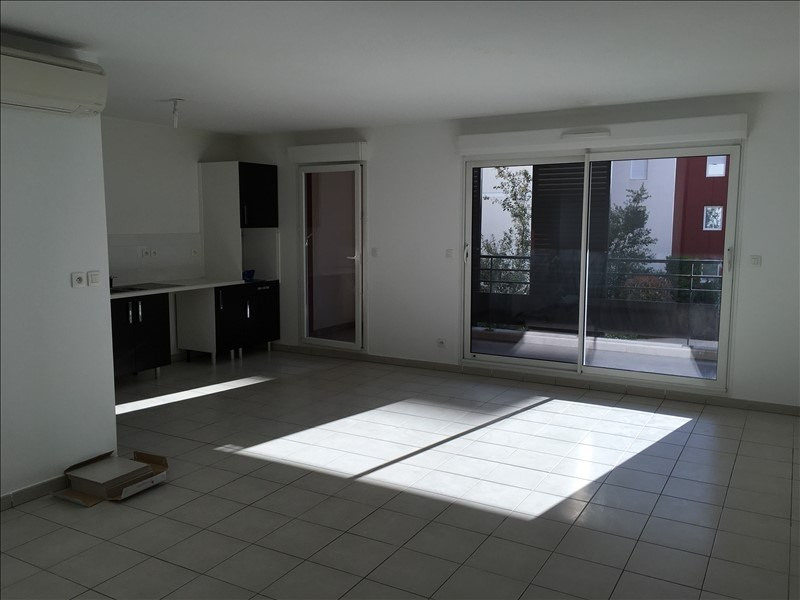 Rental apartment Nimes 840€ CC - Picture 2