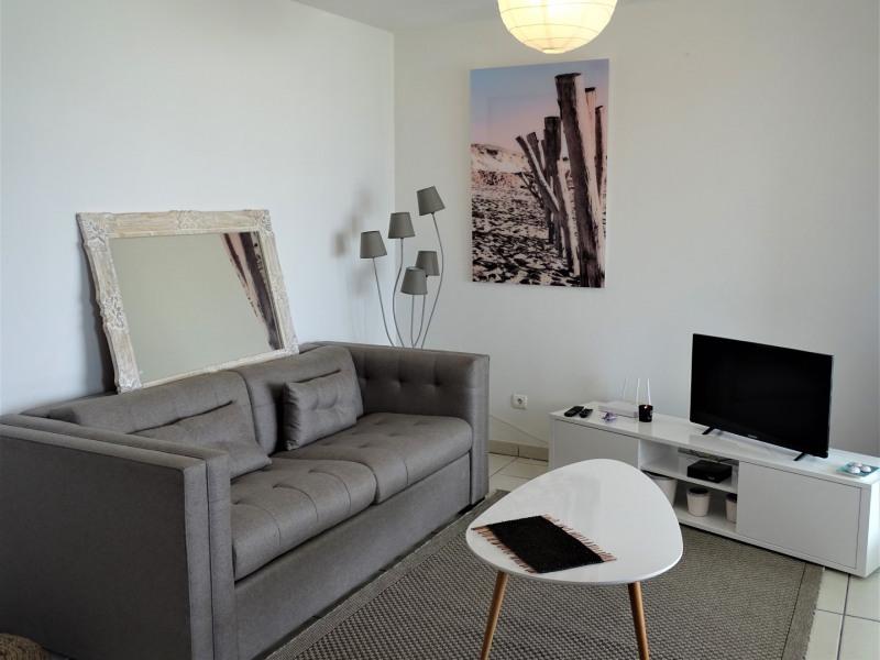 Vermietung von ferienwohnung wohnung Saint gilles 340€ - Fotografie 4