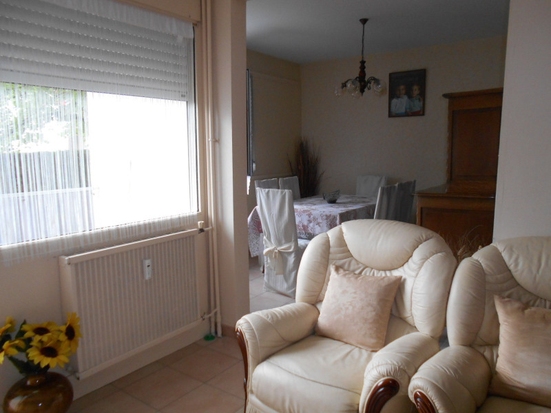Vente appartement Lons-le-saunier 100 000€ - Photo 2