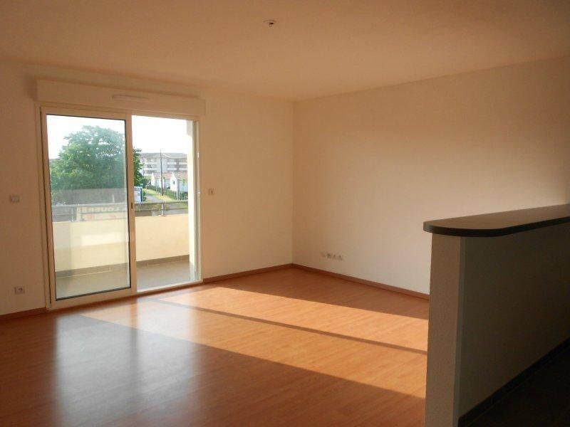 Rental apartment Frouzins 665€ CC - Picture 3