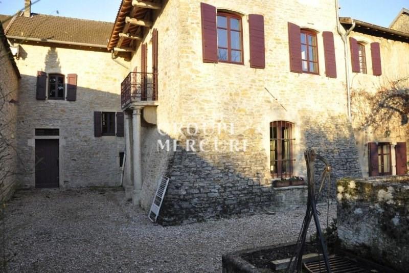 A vendre - cremieu - 38460 - propriété 480 m² - dépendances