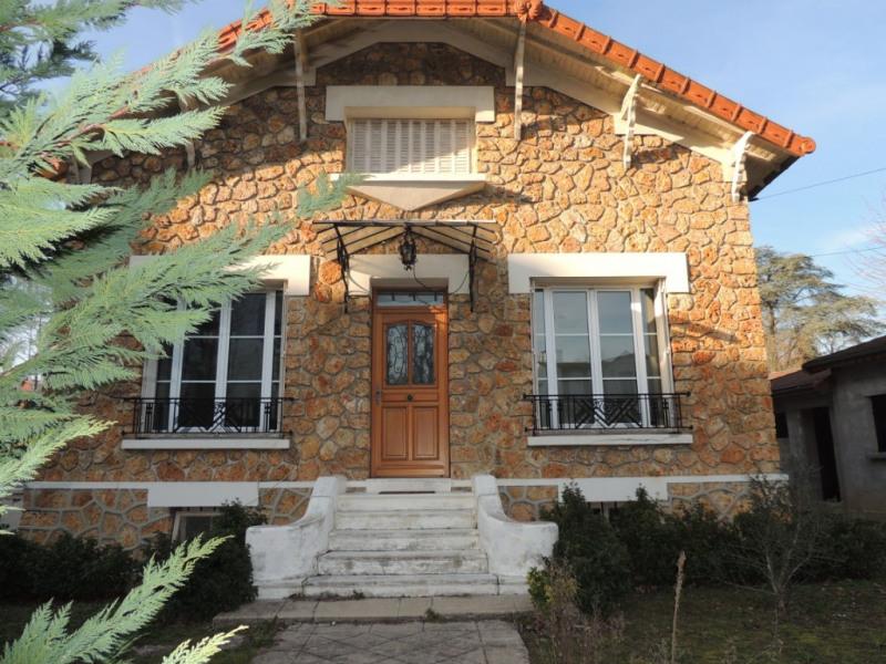 Deluxe sale house / villa Le vesinet 1050000€ - Picture 1