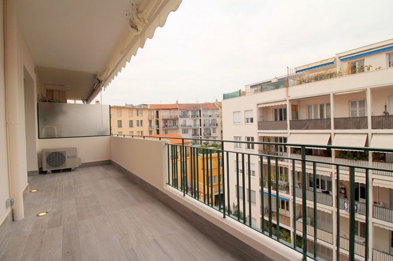 Sale apartment Nice 310000€ - Picture 2