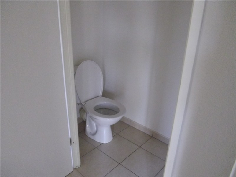 Rental apartment Vendome 460€ CC - Picture 9