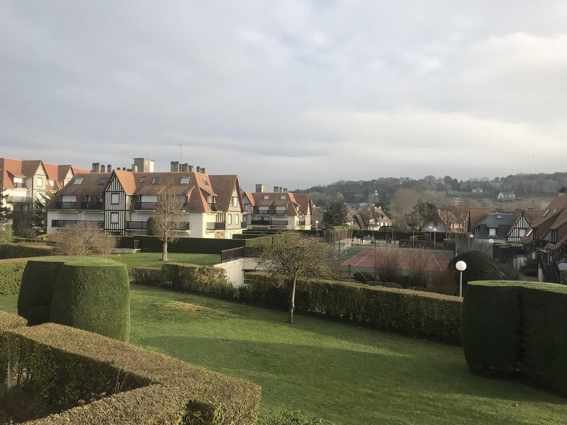 Sale apartment Deauville 180 000€ - Picture 2