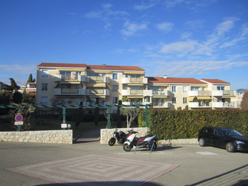 Location appartement Saint laurent du var 815€ CC - Photo 1
