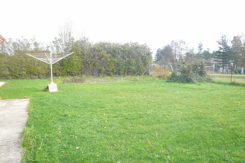 Location maison / villa St yzan de soudiac 730€ CC - Photo 7