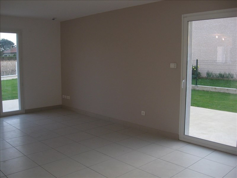 Location maison / villa St vulbas 1 020€ CC - Photo 7